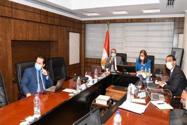مول وفندق..٣ وزراء يبحثون مصير مجمع التحرير بعد تطوير الميدان