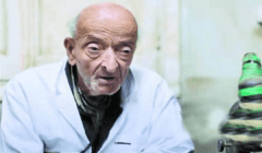 شيخ الأزهر ناعيًا طبيب الغلابة: ضرب أروع الأمثلة في الإنسانية