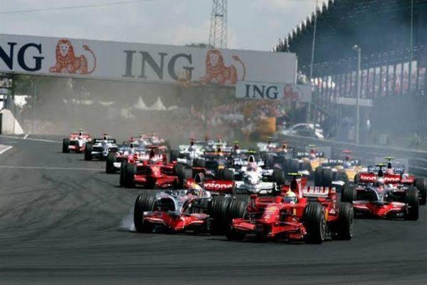 فيرستابن يتصدر التجربة الأولى لسباق فورمولا-1 البريطاني