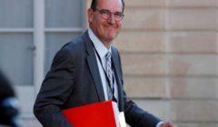 رئيس الوزراء الفرنسي يحذر من بدء أزمة اجتماعية واقتصادية بالبلاد