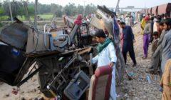 مقتل 17 من السيخ جراء اصطدام قطار بحافلة في باكستان