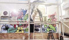 «جابر» طبيب وفنان.. يرسم جرافيتى على واجهة مركز غسيل كُلى