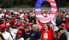 أنصار نظريات المؤامرة يدعمون ترامب: يحارب عصابة عبادة الشيطان لتحرير العالم