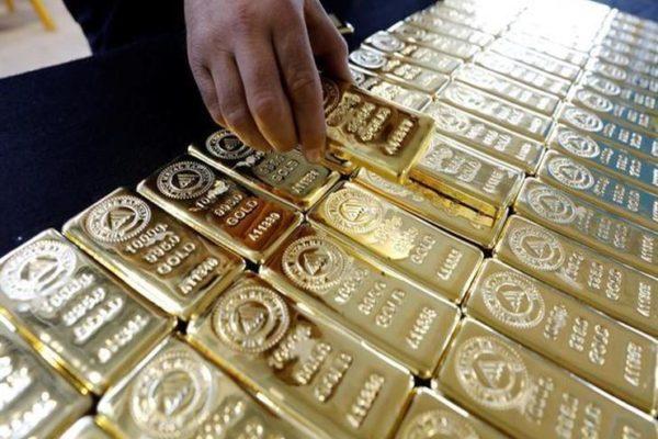 أسعار الذهب عالميا تتجه نحو أول انخفاض أسبوعي منذ يونيو
