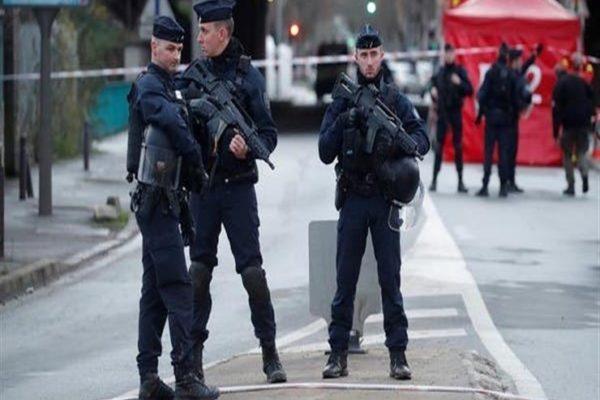 فرنسا: المسلح الذي احتجز رهائن في مصرف شمال البلاد يعاني من أمراض عقلية