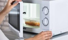 لخفض فاتورتك.. الكهرباء تنصح بالاعتماد على الميكروويف في تسخين الأطعمة لهذا السبب