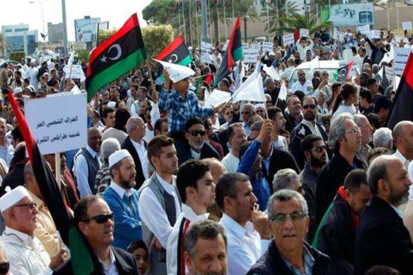 مظاهرات في طرابلس للمطالبة بطرد المرتزقة.. ومناوشات بين ميليشيا الوفاق
