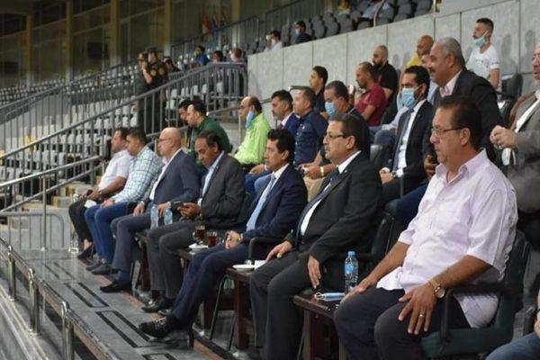 وزير الرياضة يحضر مباراة الزمالك والمصري