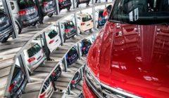 """ما قرارات """"قمة السيارات"""" بشأن تكنولوجيات المستقبل التي أشاد بها أكبر صانع بالعالم؟"""