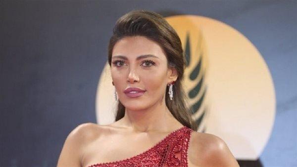 الجونة 2021.. ريهام حجاج تتألق بفستان محتشم من تصميم العالمى زهير مراد (فيديو)